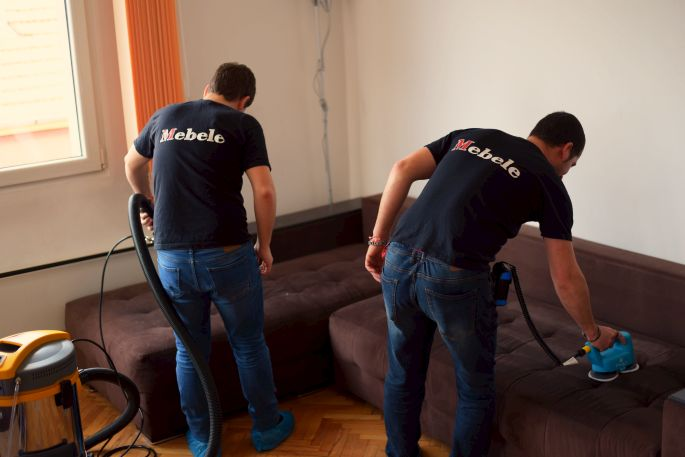 Пране на мека мебел - Пране на диван с екстракторна машина - mebele.bg