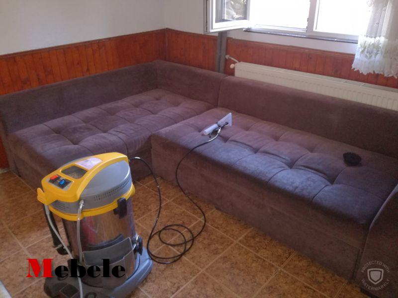 кадър от услугата пране на дивани в софия