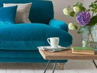 Какво дебне почистването на мека мебел в домашни условия?